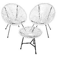 juego de terraza con sillas de diseño forma de huevo