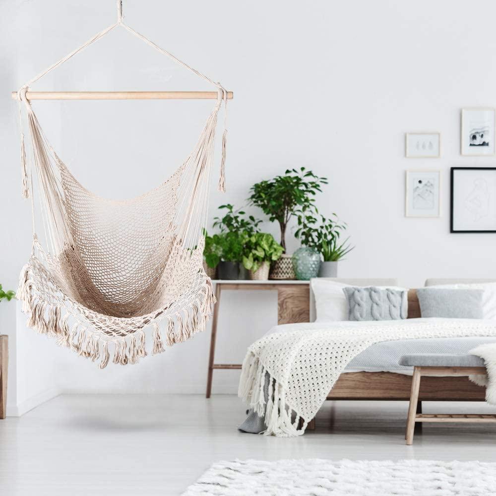 diseño interior con silla hamaca colgante holifine para colgar en sala de estar